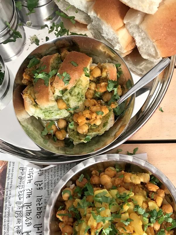 Kutchi Bread Channa