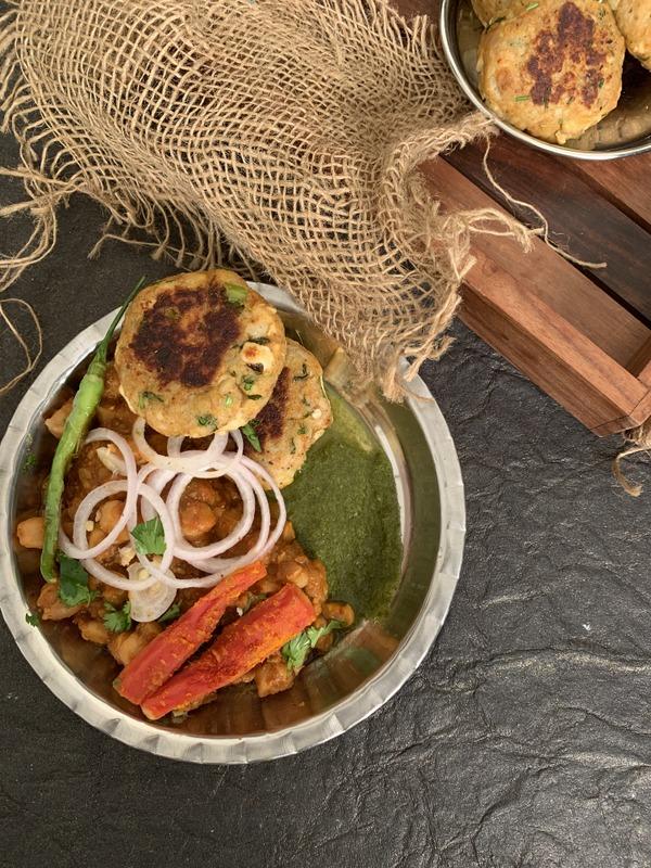 Amritsari Aloo Tikki Choley