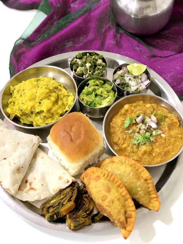 Maharashtrian Mix Platter