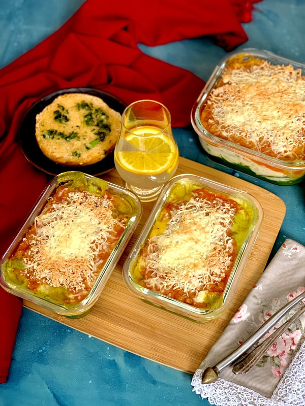 Veg Cheesy Bake in Red and Green Sauce